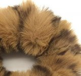 scrunchie-panter-bruin