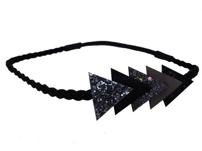 haarband-gevlochten-driehoek-zwart